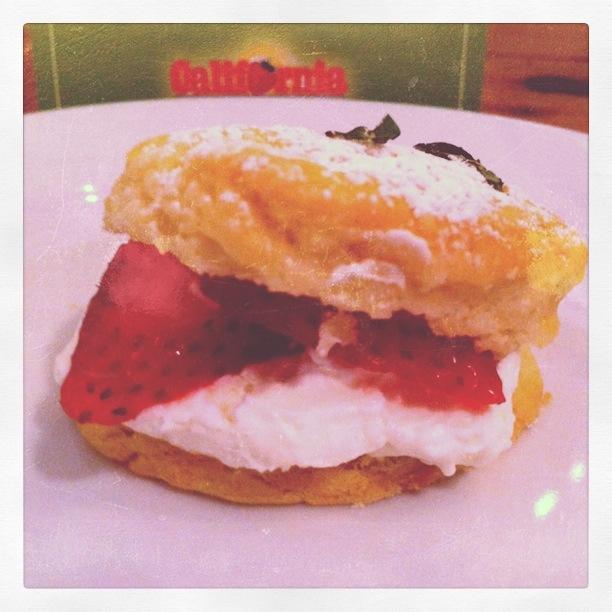 Sweet Recipe: Strawberry Shortcake Sliders | Dallas Food Nerd