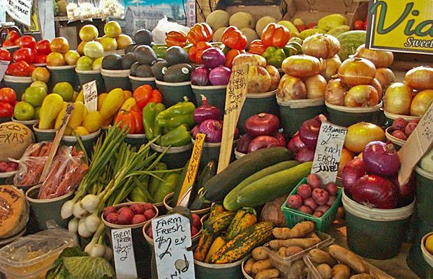 Farm-fresh produce at the Dallas farmers market.