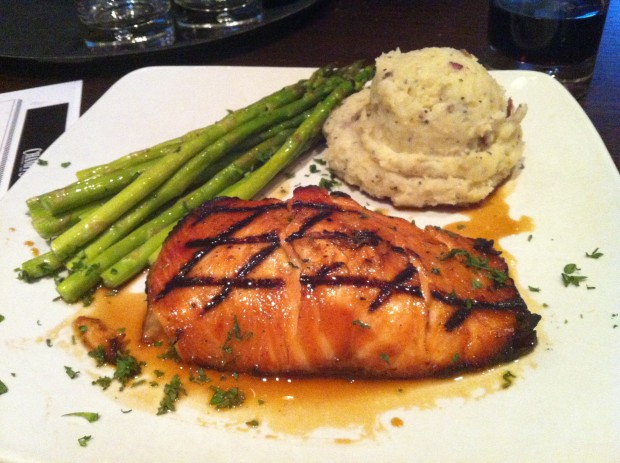 Dinner at Champps Americana Las Colinas // dallasfoodnerd.com
