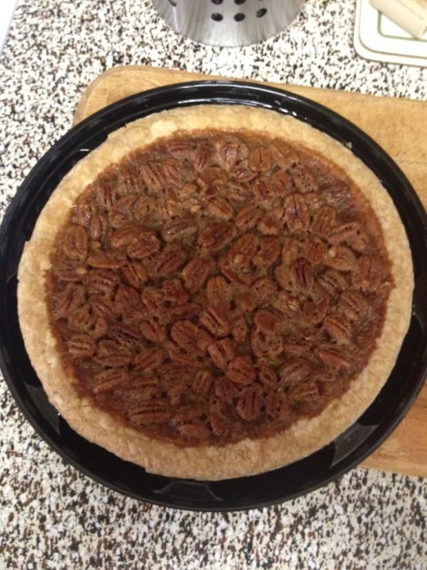Pecan Pie from HoneyBaked Ham_via dallasfoodnerd.com