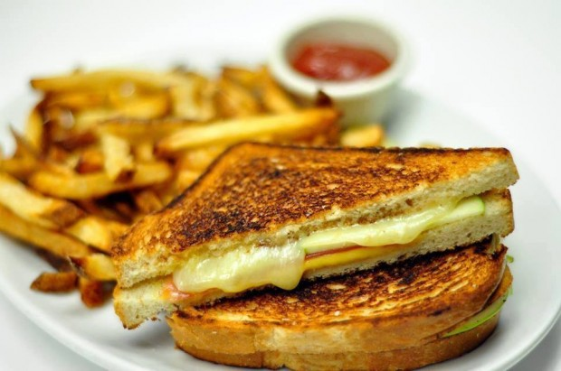 grilled cheese at the social house