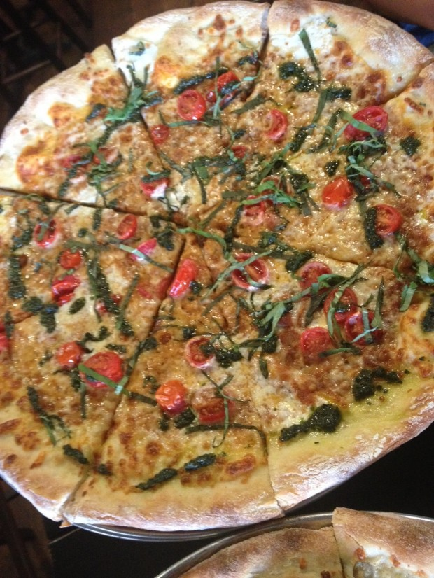 margarita pizza in uptown dallas via dallasfoodnerd.com
