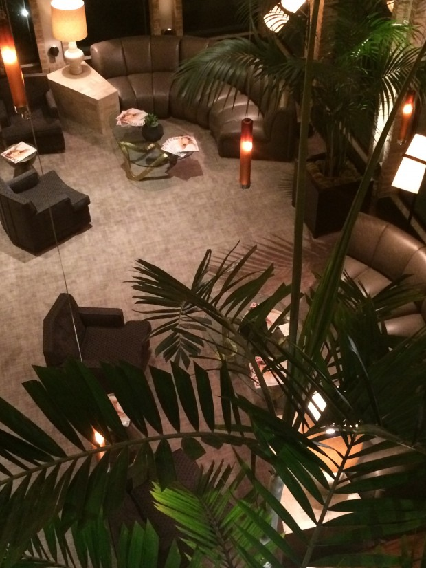 the highland dallas lobby via dallasfoodnerd.com