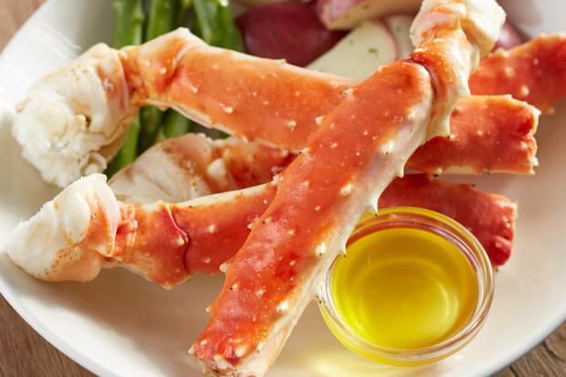 Alaskan king Crab Legs at bonefish grill via dallasfoodnerd.com