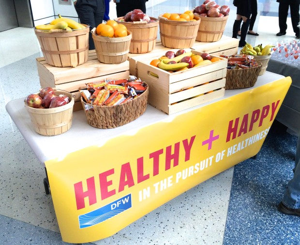 healthy and happy at DFW airport via dallasfoodnerd.com