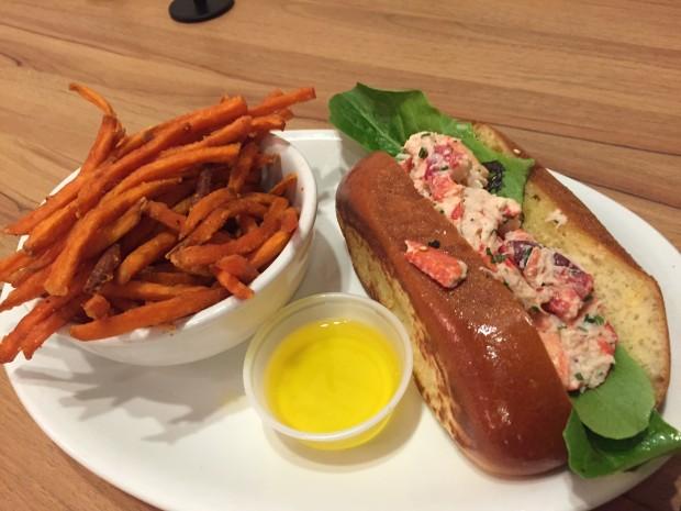 Lobster Roll sandwich via dallasfoodnerd.com