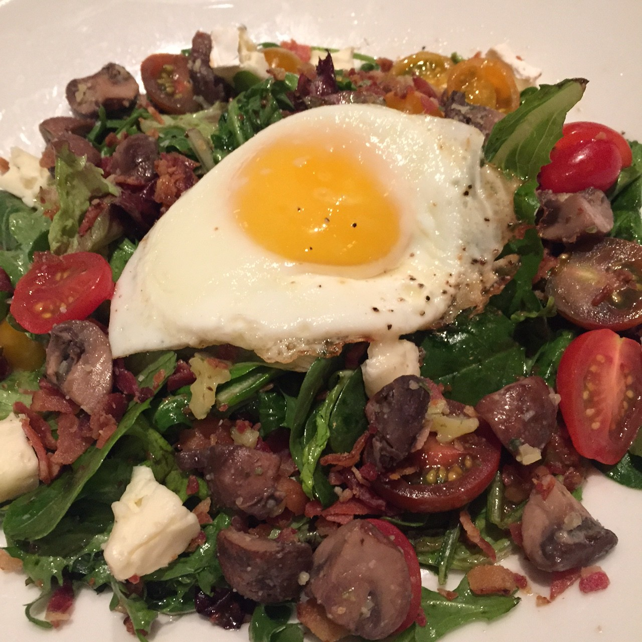 new seasonal salad at gordon biersch via dallasfoodnerd.com