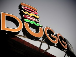 dugg burger opens in dallas via dallasfoodnerd.com