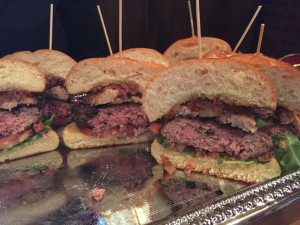 pepper smash burger via dallasfoodnerd.com
