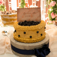 Looking for a non-traditional wedding cake? Think Val's Cheesecakes.